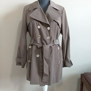 Calvin Klein gently used trench coat. Size L.